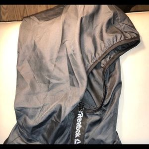 $150 high performance outer shell/windbreaker lg